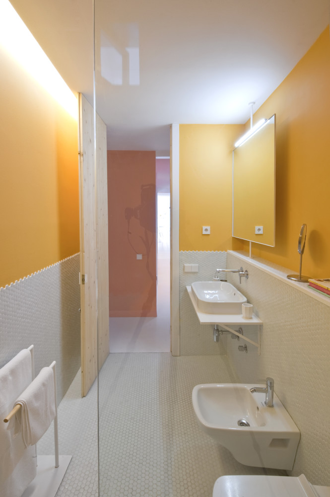 colorful-apartment-in-barcelona-13