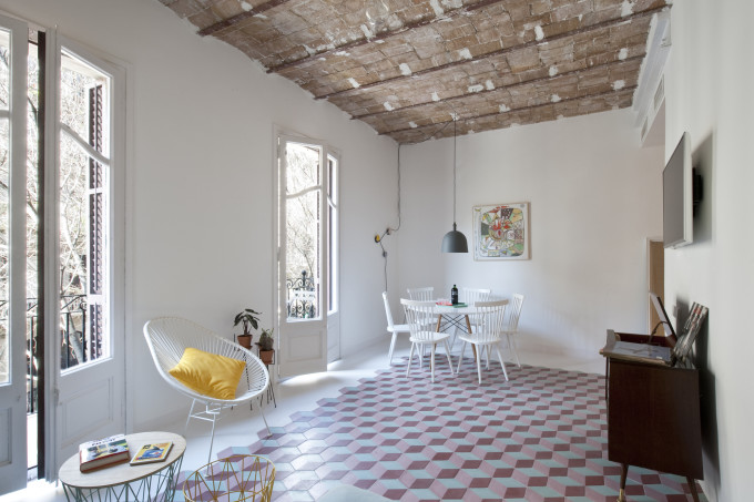 colorful-apartment-in-barcelona-2