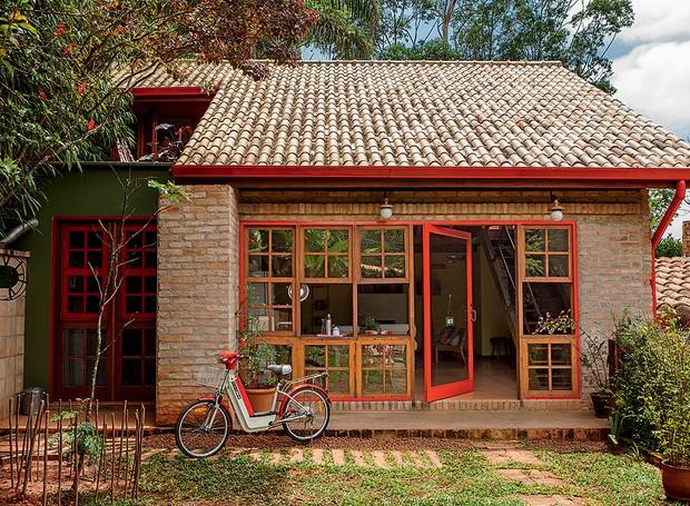casa-arquiteta-kita-florido-tijolos-de-demolicao-fachada