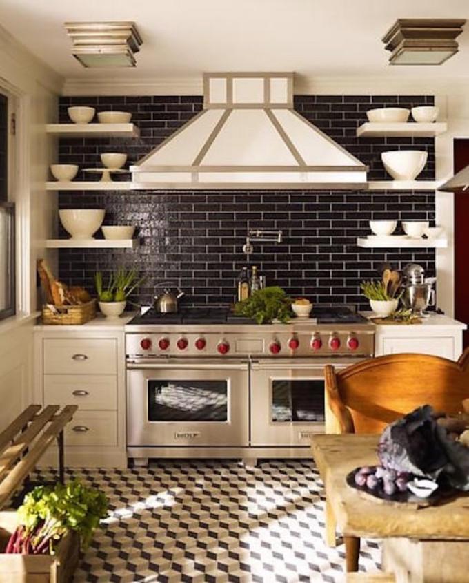ladrilhos-hidraulicos-no-piso-da-cozinha-dani-noce-4